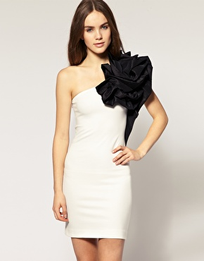 Shoulder White Dress on Got It In Paris   Great Fashion Tips And Advice On The Latest Trends